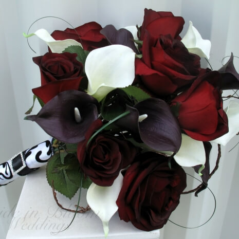 This Calla Bridal Bouquet Is An Elegant Presentation Style Wedding The Callas Lilies Are Soft To Touch And Look So Real You Sure Love
