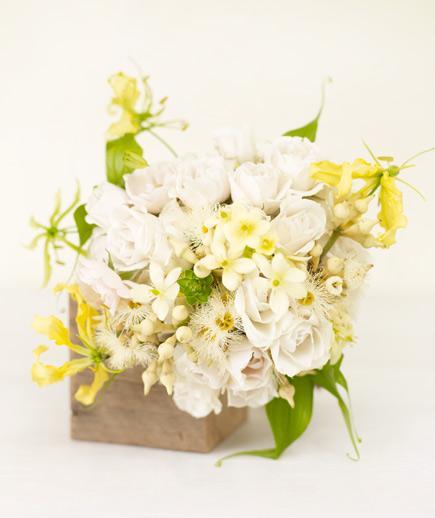 yellow-lily-boquet